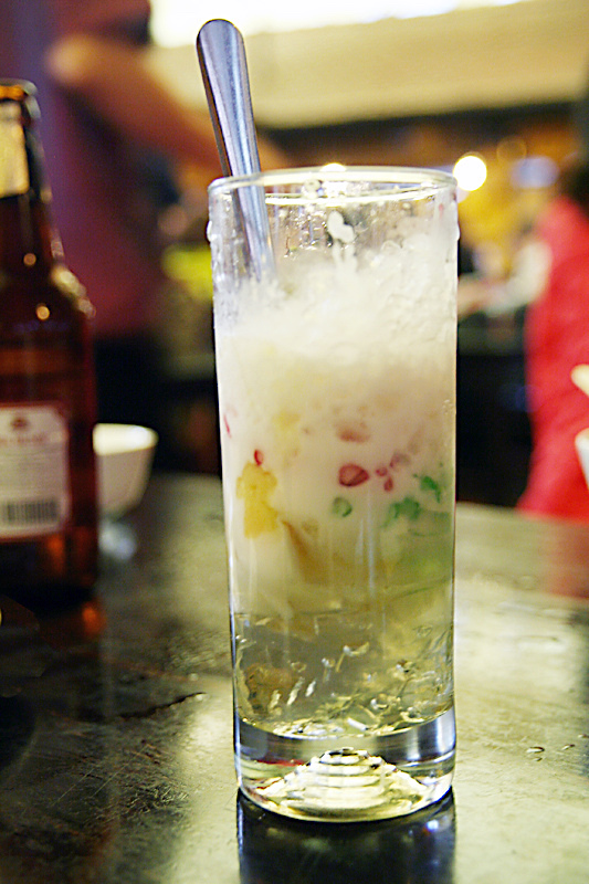 Chè Sương Sa Hạt Lựu - rainbow jelly dessert with imitation pomegranate seeds, at
